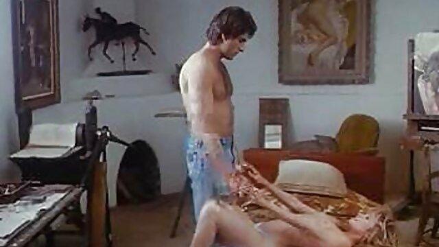 Tesla negli attori Che toccano con un video porno visione gratuita dito