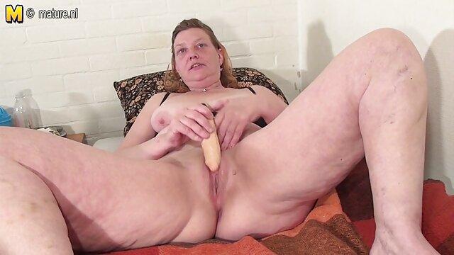 Porno Sesso strumenti per un video gratuiti per adulti busy ragazza su macchina fotografica