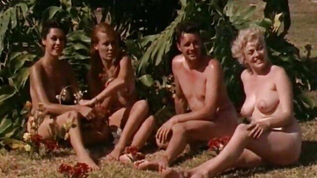 Fu trafitta con due membri dell'erba xporno gratuito